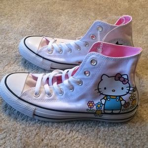 Hello Kitty Converse High tips sz 7.5 NWT